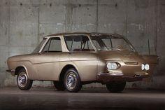 Une autre vue du Projet 900 de Renault à cabine avancée en collaboration avec Ghia - Prototype n°1, datant de 1959.