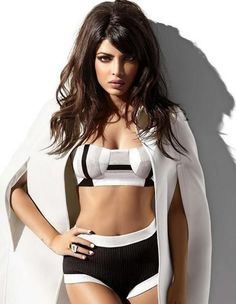 Priyanka Chopra Hot Bikini Wallpapers of 2017 - Sexy Legs Picture Actress Priyanka Chopra, Priyanka Chopra Hot, Bollywood Actress, Indian Bollywood, Bollywood Fashion, Beautiful Indian Actress, Beautiful Actresses, Bollywood Celebrities, Celebrities Fashion