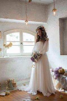 おはようございます、莉愛です 前回の記事では沢山の方に見て頂いて、あたたかなコメントやメッセージを送って頂き、心から感謝しています 本当に、本当… Cute Wedding Dress, White Wedding Dresses, Wedding Dress Styles, Wedding Bride, Mermaid Dresses, Flower Girl Dresses, Bridal Gowns, Wedding Gowns, Bridal Portrait Poses