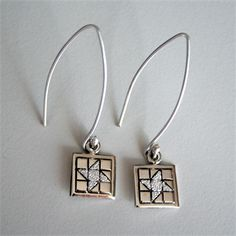 """The quilt block measures 3/8"""" x 3/8"""" (1cm x 1cm).  The total length including the long wire is about 1 1/2"""" (4cm)."""