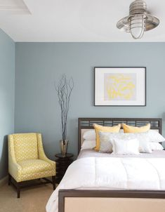 Blue and yellow bedroom paint ideas modern bedroom boutique hotel style blue yellow white home decorations ideas diy Trendy Bedroom, Cozy Bedroom, Modern Bedroom, Bedroom Decor, Wall Decor, Bedroom Furniture, Bedroom Bed, Design Bedroom, Bedroom Lighting