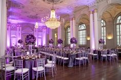 how to set up 10 round tables in banquet | love this set up. It is a long estate table in the middle flanked by ...