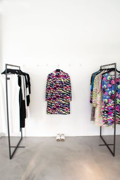 ss14 Carven and Irie Wash: http://www.farfetch.com/es/shopping/arropame/women/items.aspx#ps=1&pv=60&oby=5&lsf=1&f1d0=37722:497376