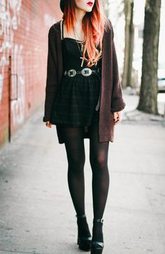 Plaid dresses, buckle belts black tights, black heeled ankle boots, and ombre hair Grunge Outfits, 90s Fashion Grunge, Punk Fashion, Trendy Fashion, Boho Fashion, Girl Fashion, Autumn Fashion, Womens Fashion, 90s Grunge