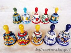 #Campanelli di vari decori di #ceramica dipinta a mano #Italy http://ceramicamia.blogspot.it/p/bomboniere.html