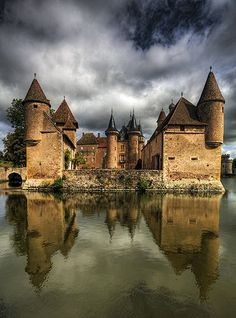 Château La Clayette in Saône-et-Loire, France built in century Beautiful Castles, Beautiful Buildings, Beautiful Places, Chateau Medieval, Medieval Castle, Places To Travel, Places To See, Travel Destinations, Places Around The World