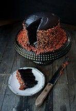 Mesés fekete bársony torta    Forrás: http://foodpluswords.com