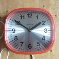 The clock is in good all round condition with no chips or cracks, just some light surface marks due to it& age. Clocks, 1960s, Scotland, Surface, Chips, Vintage, Ebay, Potato Chip