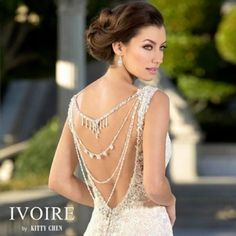 Back necklaces are one of the beautiful bridal trends in wedding accessories. And @kittychencouture's 2016 @ivoirebykittychen collection just released 5 beautiful new ones that are fabulous! #love #beautiful #kittychen #ivorebykittychen #wedding #dress #f