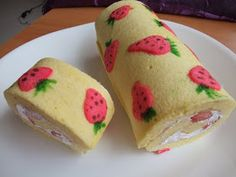 Veronica's Kitchen: Creative Strawberry Swiss Roll