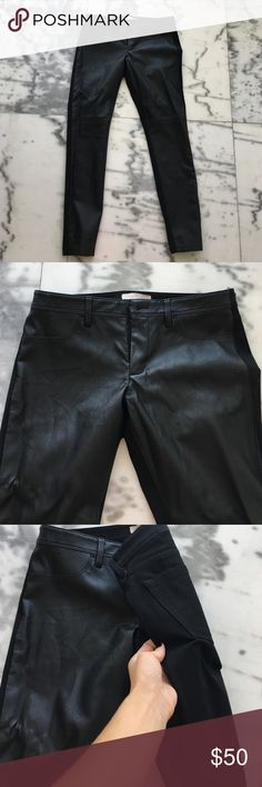 Banana mixed media leather black skinny jean pant It's hard to tell in the photos but the front of these pants is leather, and the back is normal jean. Rare and gorgeous find. Size 2 but can fit a small 4 also! Never worn! Skinny fit! Purchased at banana republic last Fall Banana Republic Pants