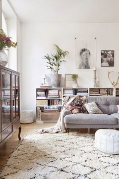 soft and beautiful living room. Styling Tricks to Steal from 8 Beautiful Living Rooms Home Living Room, Apartment Living, Living Room Designs, Living Spaces, Apartment Therapy, Cozy Apartment, Small Living, Living Area, Modern Living