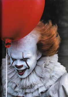 New Pennywise The Clown Image For Stephen King's IT is Creepy as Hell — GeekTyrant Clown Pennywise, Pennywise The Dancing Clown, Pennywise Tattoo, Le Clown, Creepy Clown, Clown Mask, Scary Movies, Horror Movies, Mad Movies
