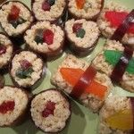 "How cute is this?!?! This is my kind of ""sushi"". ~I think I need to try this for the kids at school..."