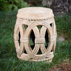 Jennifer Lippi of Design Delirium says she has a secret crush on garden stools. And THIS garden stool is the one that stole her heart. She explains why on her blog. || @jenny34993