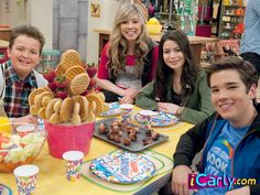 Make a Waffle Bouquet like the one iCarly received on her Birthday Icarly And Victorious, Nathan Kress, The Thundermans, Nickelodeon Shows, Nostalgia, Birthday Breakfast, Fast Dinners, Miranda Cosgrove, Jennette Mccurdy