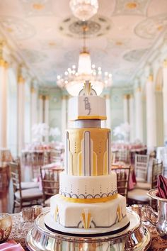The best Art Deco wedding cake ever! Art Deco Themed Wedding in Atlanta at the Biltmore Ballrooms - Munaluchi Bridal Magazine Black Wedding Cakes, Unique Wedding Cakes, Beautiful Wedding Cakes, Wedding Cake Designs, Trendy Wedding, Art Deco Wedding Flowers, Art Deco Wedding Theme, Wedding Themes, Wedding Dresses