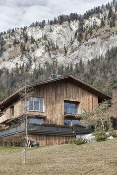 Haus Wiesenhof | St. Johann in Tirol, Austria | Gogl Architekten | photo by Mario Webhofer