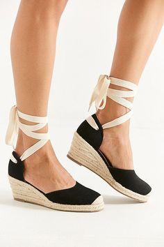 79580c0a1 Slide View: 1: UO Espadrille Lace-Up Wedge Sapatos Bonitos, Moda Beleza