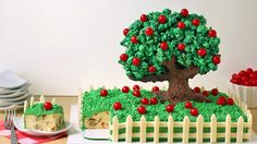 Apple pound cake covered in cinnamon frosting and decorated with an adorable tree made from chocolate cereal, crispy treats and popcorn! Cupcakes, Cupcake Cakes, Fondant Cakes, Chocolate Cereal, Chocolate Popcorn, White Chocolate, Colored Popcorn, Rodjendanske Torte, Foundant