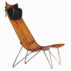 This rosewood edition of Hans Brattrud's Scandia Senior Lounge Chair, produced by Hove Møbler in is one of the earliest Scandia Lounge Chairs and a favorite amongst collectors. Plywood Design, Scandinavian Chairs, Vintage Furniture Design, Butterfly Chair, Mid Century Style, Mid Century Furniture, Art Object, Chair Design, Modern Design