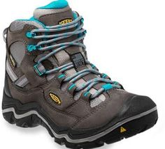 The Keen Durand Mid WP hiking boots for women are crafted of Keen PU and dual compound rubber outsole. They deliver durable, dependable longevity for the lo