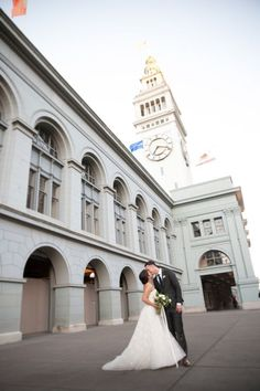 Outdoor Wedding Portrait Ideas. Love this timeless & classic city wedding at San Francisco Ferry Building wedding venue w navy blue & gold details, white floral design & bouquets, custom welcome gifts, planned & designed by Amy Nichols Special Events, a luxury wedding planner in San Francisco, serving California, wine country, Napa, Sonoma, Hawaii, Bali, Mexico & destinations worldwide. California Wedding, California Wine, Northern California, Green Wedding, Fall Wedding, Wedding Designs, Wedding Ideas, Mexico Destinations, Timeless Wedding