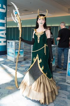 Disney Cosplay Our Favorite Disney Cosplays and Outfits from Expo Loki Costume, Loki Cosplay, Cosplay Diy, Cosplay Dress, Cosplay Outfits, Best Cosplay, Genderbent Cosplay, Marvel Cosplay Girls, Casual Cosplay
