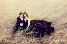 Prepare yourselves, dear readers, for one of the most gorgeous engagement shoots ever! I am seriously swooning at this breath-taking glam engagement in a field! I mean, how glamourous and romantic can you get?? Christina Carroll did an amazing job capturing this dapper and chic couple. I am in love with every single image! Are …