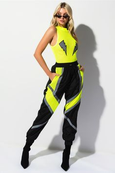 TOO FAST FOR YOU JOGGER PANT Neon Outfits, Stage Outfits, Edgy Outfits, Cute Outfits, Fashion Outfits, Looks Chic, Looks Style, Sport Fashion, Girl Fashion