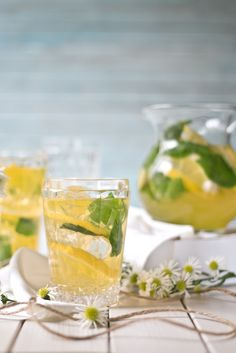 Limoncello Spritz   Foodlovin'