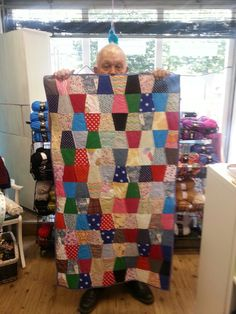 Srappy tumbler quilt