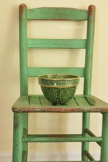 applecottage.quenalbertini: Green bowl on an old green chair