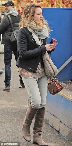 Jessica Alba watched Honor take to the ice as their winter break in London continues | Mail Online