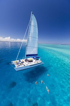 Blue cruise Mediterranean luxury sailing and yachting holidays by Yacht Boutique Sailboat Living, Sailboat Art, Sailboats, Sailing Catamaran, Sailing Trips, Yacht Design, Sail Cloth Benjamin Moore, Sailing Girl, Anne Bonny