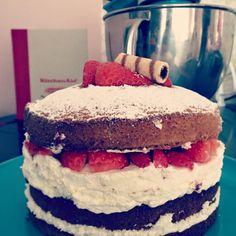 Victoria Sponge Cake. www.cake2love.com