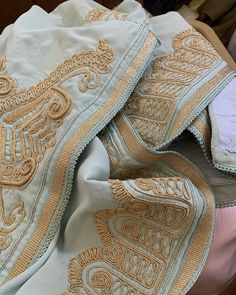Tambour Embroidery, Moroccan Caftan, Point Lace, Japanese Embroidery, Winter Dresses, Motifs, Clothes, Collection, Fashion