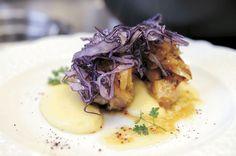 pollo alla birra doppio malto su crema patate e porri e cavolo viola