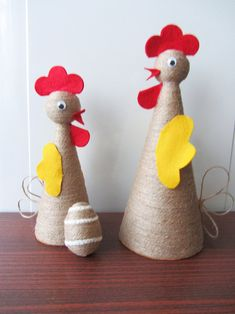 Slepička kolednice / Zboží prodejce Slavka-S9 | Fler.cz Crafts To Make And Sell, Diy And Crafts, Crafts For Kids, Corn Husk Crafts, Chicken Crafts, Jute Crafts, Diy Ostern, Dollar Store Crafts, Easter Party