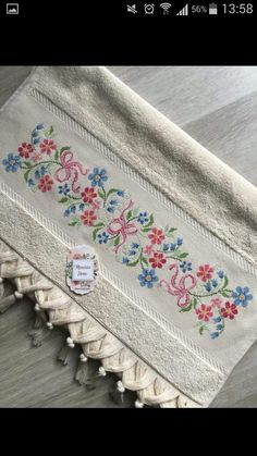 This Pin was discovered by HUZ Cross Stitch Borders, Cross Stitch Flowers, Cross Stitch Patterns, Embroidery Patterns, Hand Embroidery, Bargello, Needlework, Diy And Crafts, Towel