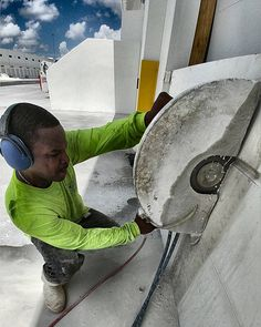 #handsawing  #miami #concretecutting #concretecuttingmiami #constructionsite #generalcontractor #construction #concrete #demolition #concretelife