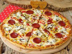 Karışık Pizza Tarifi Homemade Recipe Books, Mac And Cheese Homemade, Snacks Homemade, Pizza, Memorial Day Foods, Sugar Scrub Homemade, Semi Homemade, Best Cinnamon Rolls, Peanut Butter Dog Treats