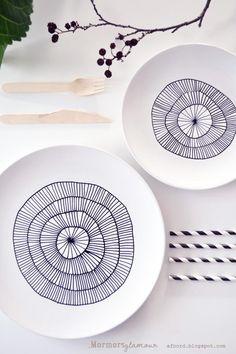 DIY: Cómo decorar una vajilla lisa de porcelana.