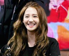 Her beautiful smile makes me smile snsd yoona❤ Beautiful Smile, Most Beautiful, Im Yoon Ah, Promotional Model, Yoona Snsd, Love Rain, Girls Generation, Korean Girl Groups, Make Me Smile
