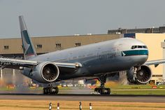Cathay Pacific Boeing 777-367/ER