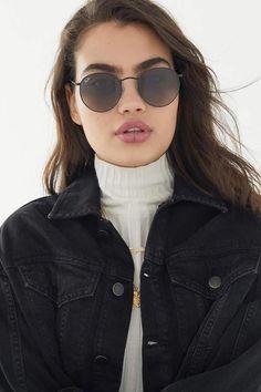 Ray-Ban classic round metal sunglasses urban outfitters sunglasses, round m Ray Ban Classic, Ray Ban Sunglasses, Sunglasses Women, Selfies Poses, Women's Shoes, Urban Outfitters Sunglasses, Round Metal Sunglasses, Round Ray Bans, Fashion Advice