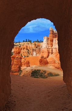 Tunnel along the queen's garden trail in bryce canyon national park, utah