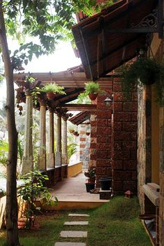 Centre for Vernacular Architecture Trust :: Gallery Indian Home Design, Kerala House Design, Village House Design, Village Houses, Vernacular Architecture, Architecture Design, Indian Architecture, Tropical Architecture, Hut House