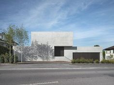 Neutral, modern concrete meets a minimalist aesthetic. Modern Residential Architecture, Minimalist Architecture, Modern Architecture House, Architecture Plan, Modern Buildings, Architecture Details, Concrete Architecture, Concept Models Architecture, Modern Architects