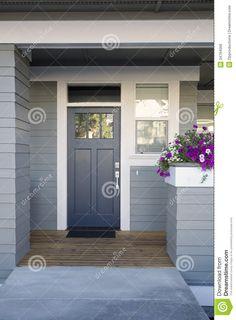 Haustür holz grau  10 of the Prettiest Front Doors | Haustüren holz, Haustüren und ...